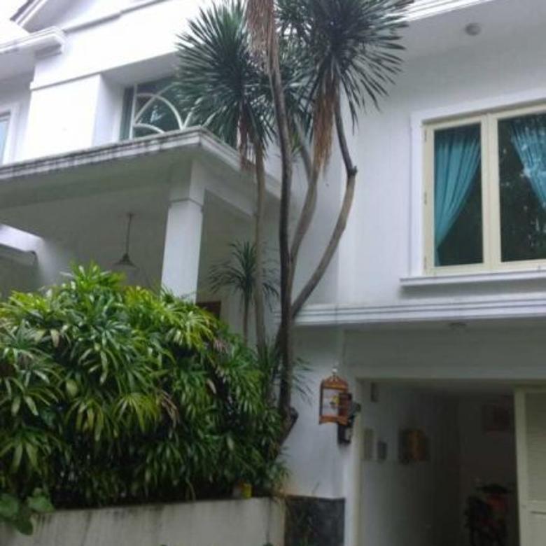 Disewa Rumah Mewah di daerah Kebayoran Baru Jakarta Selatan