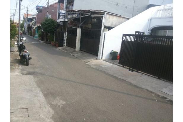 Dijual Rumah 2 Lantai di Utan Kayu Siap Huni 6743949