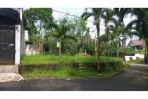 Tanah Hoek dijual Dalam Kompleks Perumahan Strategis Cinere Depok