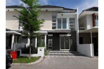 Dijual Rumah Nyaman Strategis di Klampis Surabaya