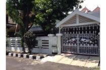 Rumah Dijual Rungkut Asri Barat, Halaman Luas, Harga Okee