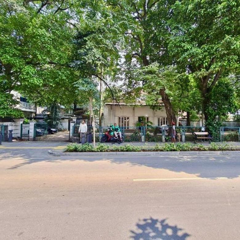 [HOUSE ] rumah lama best location terletak di cikini raya, jakarta pusat