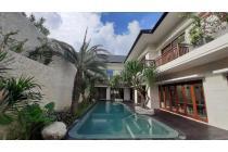 4 Bedroom Luxury Villa  Freehold in Kerobokan