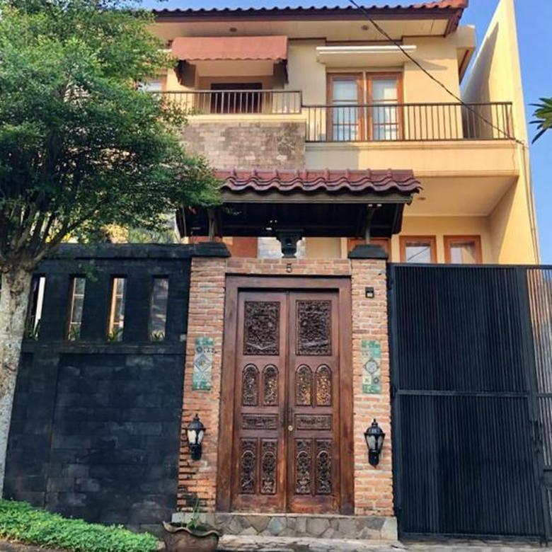 Rumah Balinese Style Dengan Private Swimming Pool di Bukit Cinere Indah