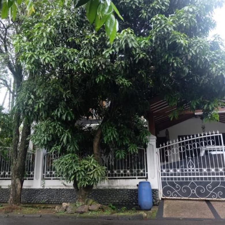 Rumah asri Halaman Luas di Bogor