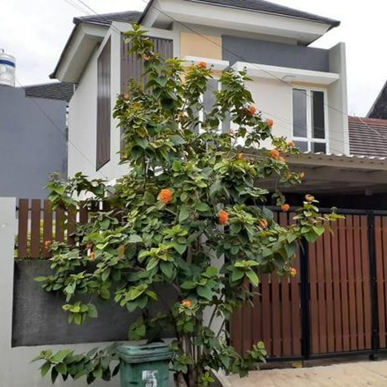 Rumah Cantik Hoek di Metland Menteng Jakarta Timur