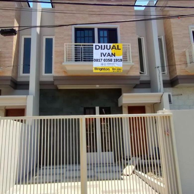 Dijual rumah baru di semolowaru elok