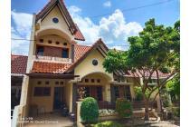 Rumah dalam komplek perumahan akses lebar selatan Jec