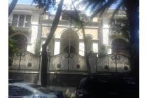 Disewakan Rumah Berkolam Renang di Jl.Patra Kuningan VIII (SWS0174)
