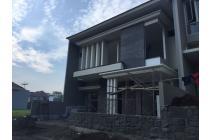 Rumah Ciamik Baru Gress! CITRALAND Cluster Favorit! Lokasi ROW Jalan Besar