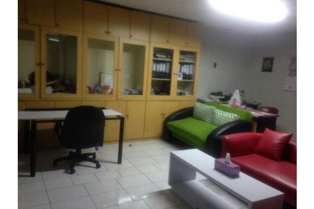 Rumah DP Ringan 4 Lantai Lokasi di Jakarta Pusat 15893728
