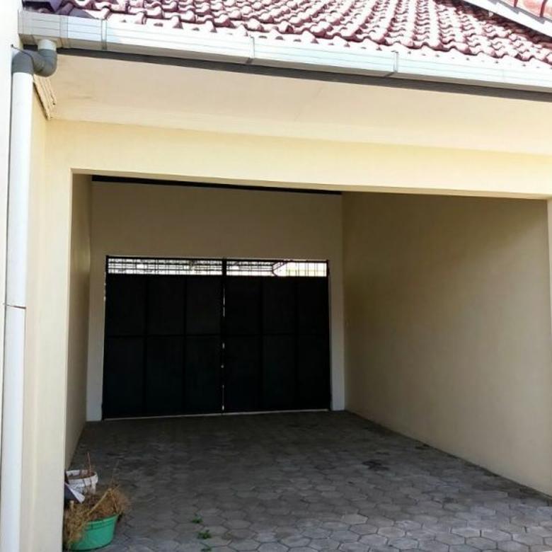 Rumah-Batu-2