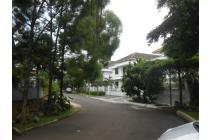 Rumah Mewah, Tenang, Swimming Pool di BUKIT CINERE INDAH