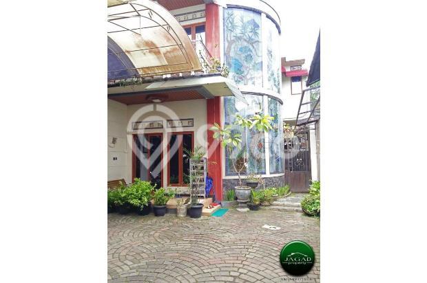 Rumah Mewah dengan Kolam Renang jalan Umbul Permai ( RN 08 ) 18427652