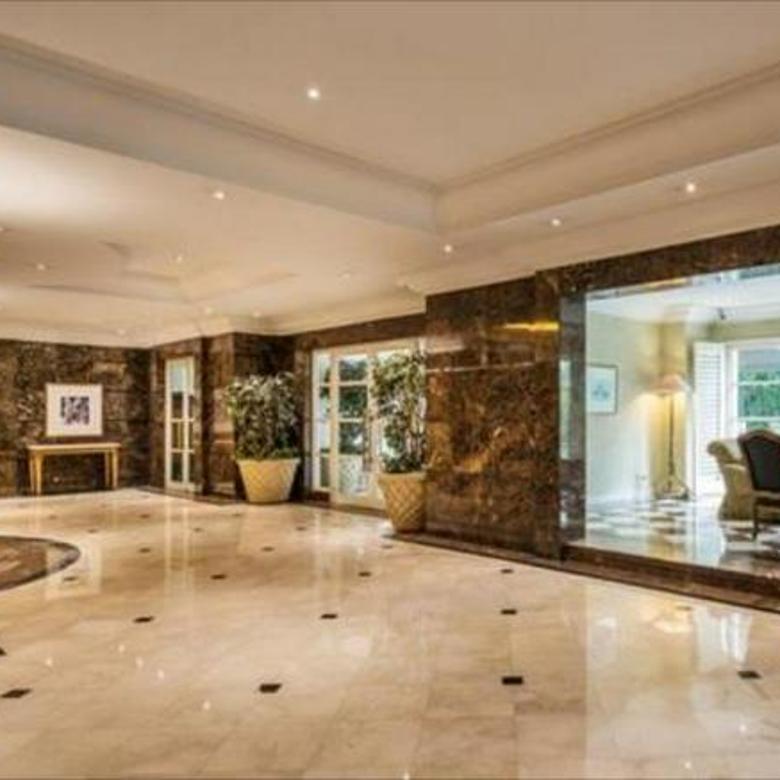 Apartemen Batavia, Full Furnished 3KT + 2KM, Nyaman, Rapi, Lokasi Strategis di Pusat Kota