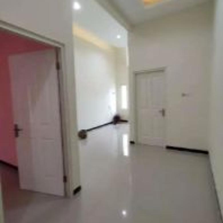 Dijual Rumah Nyaman Terawat Siap Huni di Dian Regency Surabaya