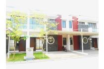 DI SEWA RUMAH UKURAN 8 x 18, DI GREEN LAKE CITY JAKARTA BARAT