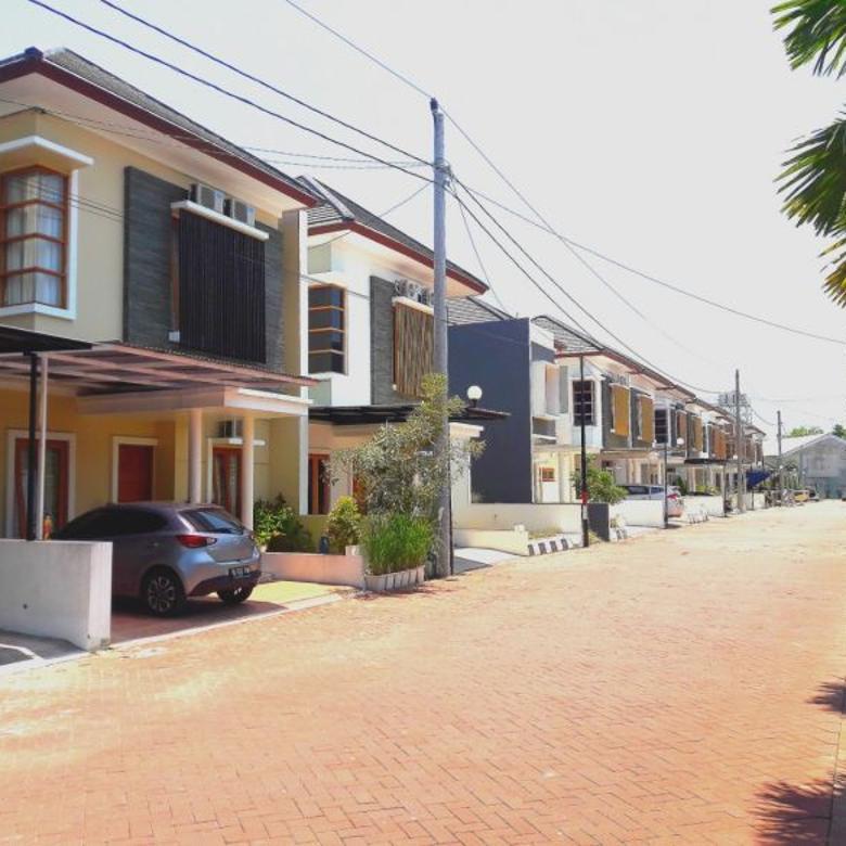 Rumah Dekat hotel hyatt Jalan palagan dalam Perumahan