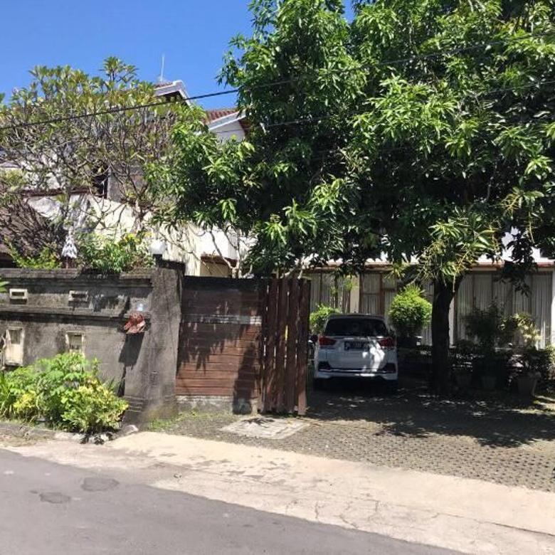 Dijual Rumah Asri 2 Lantai Halaman Luas di Jayagiri, Denpasar