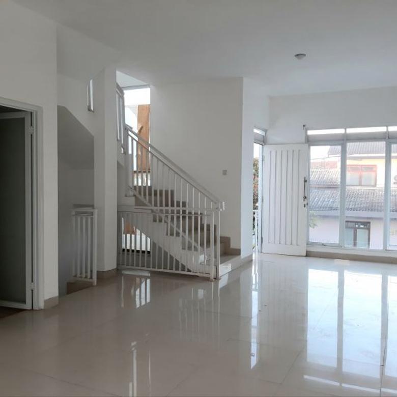 Rumah minimalis bangunan 3 lantai di jl Atlas Raya Antapani