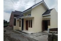 Rumah Modern Minimalis Siap Huni dekat Pesantren Kota Kediri
