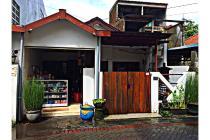 Rumah Cantik Istimewa di Semolowaru Utara , Surabaya
