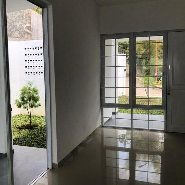 Rumah Mewah di Dago Bandung, Cigadung Ada kolam Renangnya
