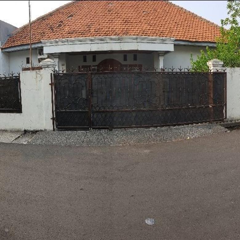 Rumah nyaman dan besar HOEK di Rawamangun Pulogadung