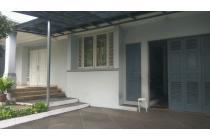 Rumah 2 Lantai, Full Furnished, di Pondok Indah, Jaksel