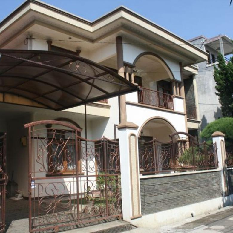 Dijual Rumah Nyaman Mewah di CIwastra, Bandung