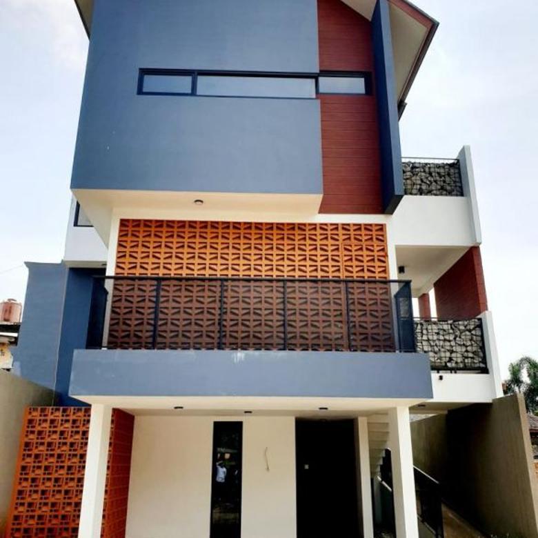 Rumah Exclusive Design Modern di Jagakarsa