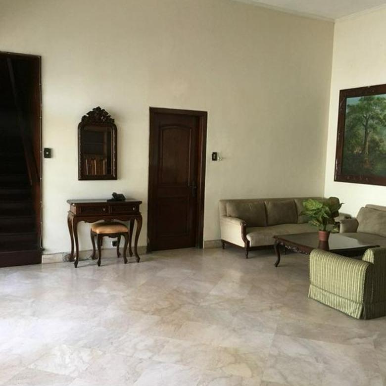 Rumah 2 Lantai di Area Kebayoran Baru, Jaksel
