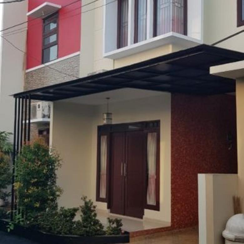 Dijual Rumah Bagus Semi Furnished di Srengseng Sawah Jakarta