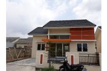 Rumah di OPI Jakabaring dengan tanah yang luas.