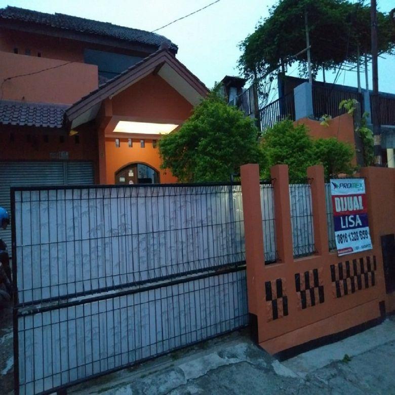 Rumah Kost dengan Halaman Luas Jatirahayu Bekasi