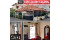 Rumah + kos-kosan Jl. Karbela, Jakarta Selatan, 7,5x15m, 1½ Lt