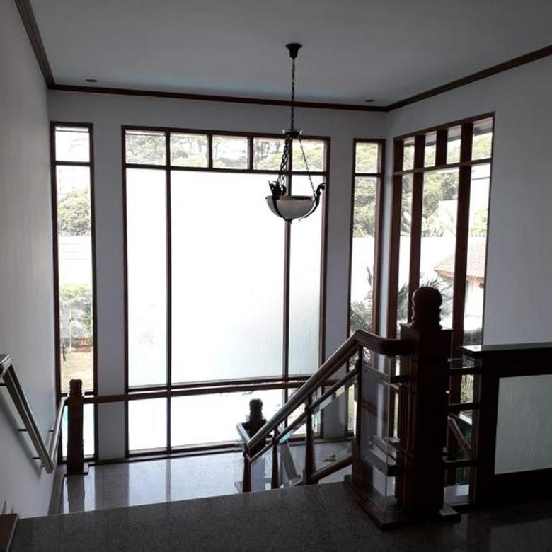 Rumah di Pondok Indah. Luas 1600 m2, Ada Pool. Available Desember 2020