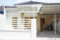 Rumah Cantik Mininalis di Dekat Bale Hinggil Jakal KM 9