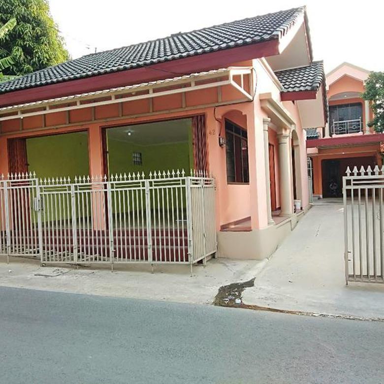 Rumah Kondisi Bagus Bonus Toko Akses Utama 2 Mobil Di Cibubur Jakarta Timur