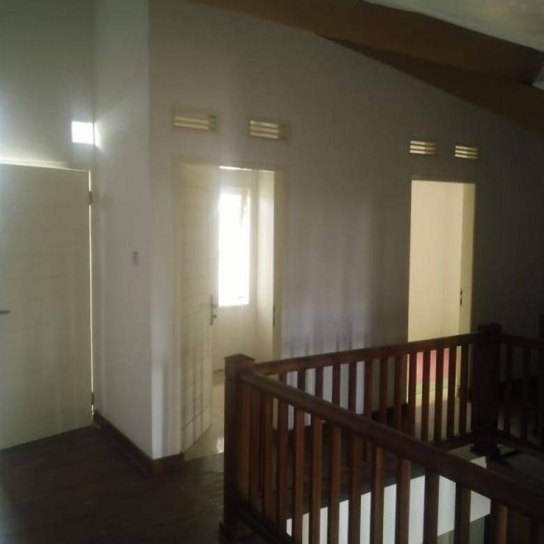 Dijual Rumah Nyaman Furnished di Kopo Permai 3, Bandung