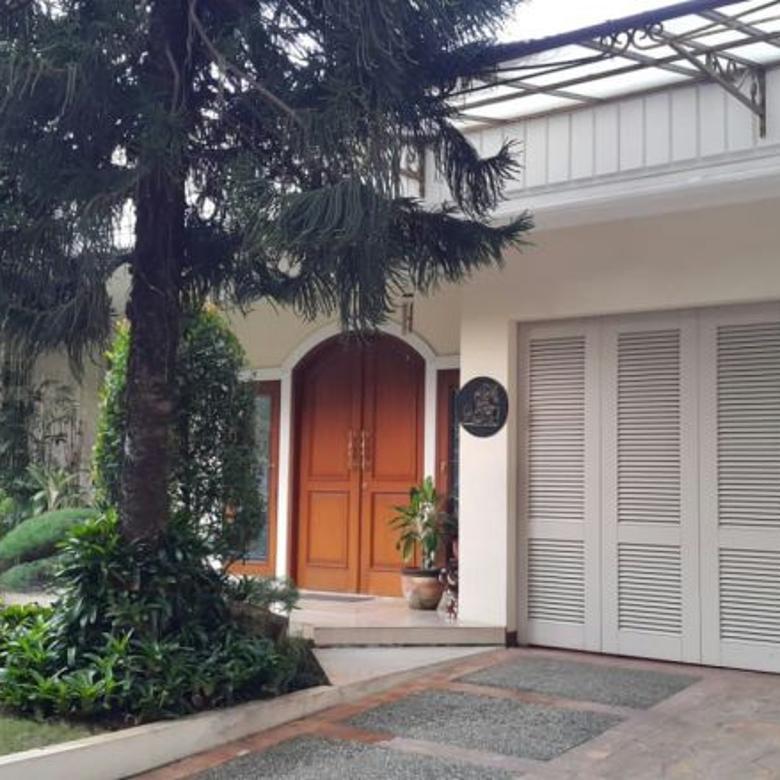 Rumah MENTENG JL. MALUKU Jakarta-Pusat Rumah dilokasi yang sangat asri