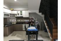 Rumah kayu putih full furnish LT 140 2 lantai siap huni