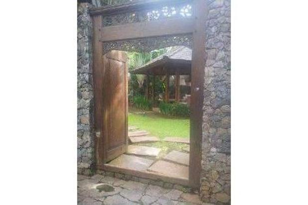 Rumah mewah sarat Nuansa Alam dengan Kolam Renang,  daerah Cipete .