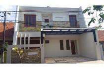 Rumah 2 lantai Dijual, Medokan Ayu, surabaya, lokasi Strategis