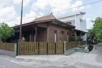 Dijual Rumah Gaya Limasan Modern di Jl Petakbaru Yogyakarta