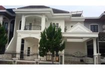 Dijual Rumah di Kompleks Cemara Asri