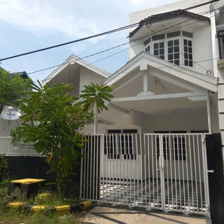 Rumah Baru Gress di Wiguna Tengah Regency, dekat Pondok Chandr