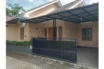 Rumah CANTIK MINIMALIS STRATRGIS - FULLY FURNISHED Di Jalan Kaliurang km 8 dekat ke Kampus UGM
