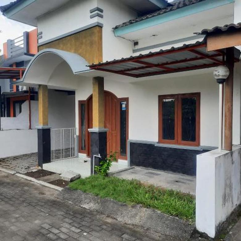 Rumah Dalam Perumahan Concat