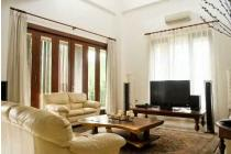 Rumah Modern Nan Cantik, Pondok Indah